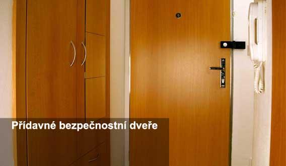 vchodové bezpečnostní dveře do bytu Hradec Králové